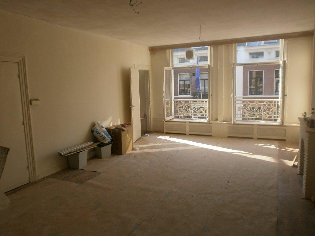 Stucwerk 100 m² Herenpand Dr. Kuijperstraat 10 Den Haag na stuken